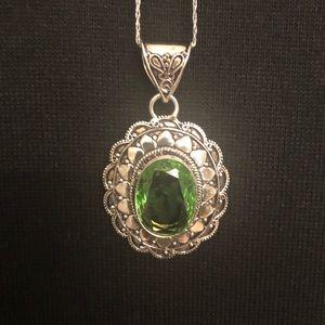 💰Green Peridot Gemstone Silver Pendant Necklace